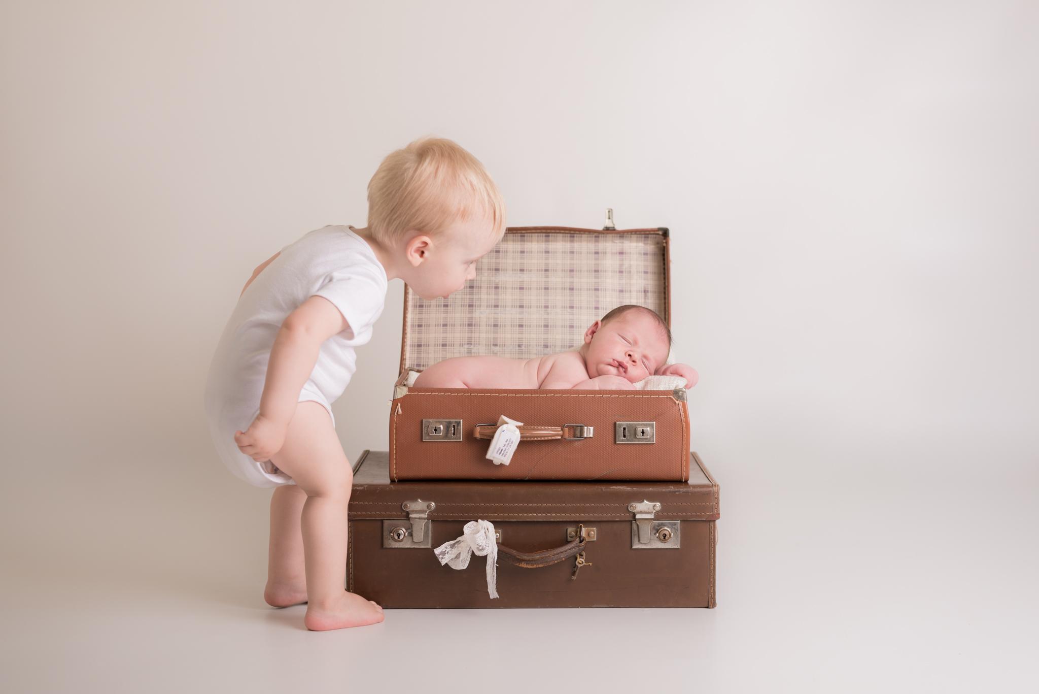 Preparing Siblings for a Newborn Session