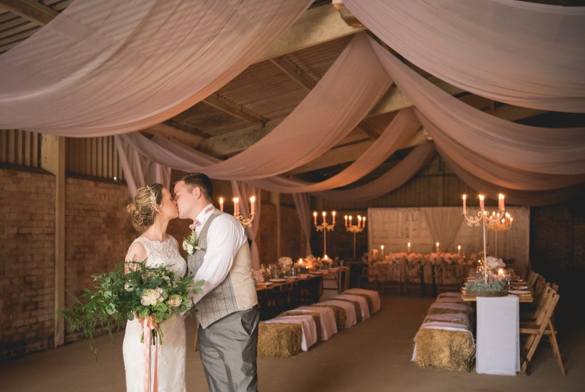Lincolnshire-barn-wedding-Claxby-Grange-photographer