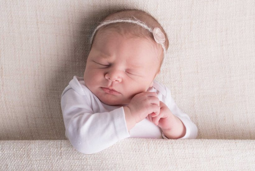 Lincoln-newborn-photo-session-photographer